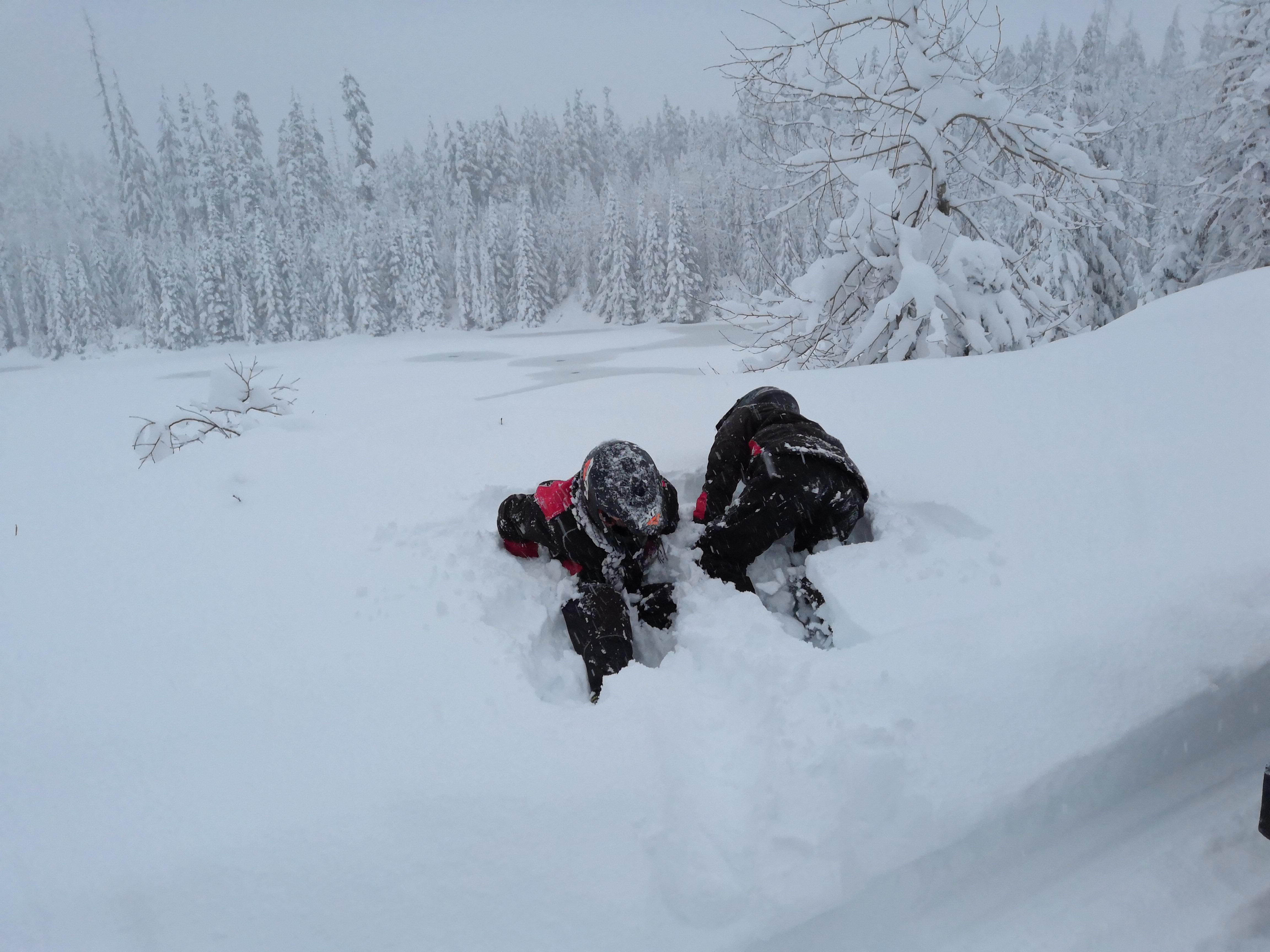 Juli und Sasy im Schnee
